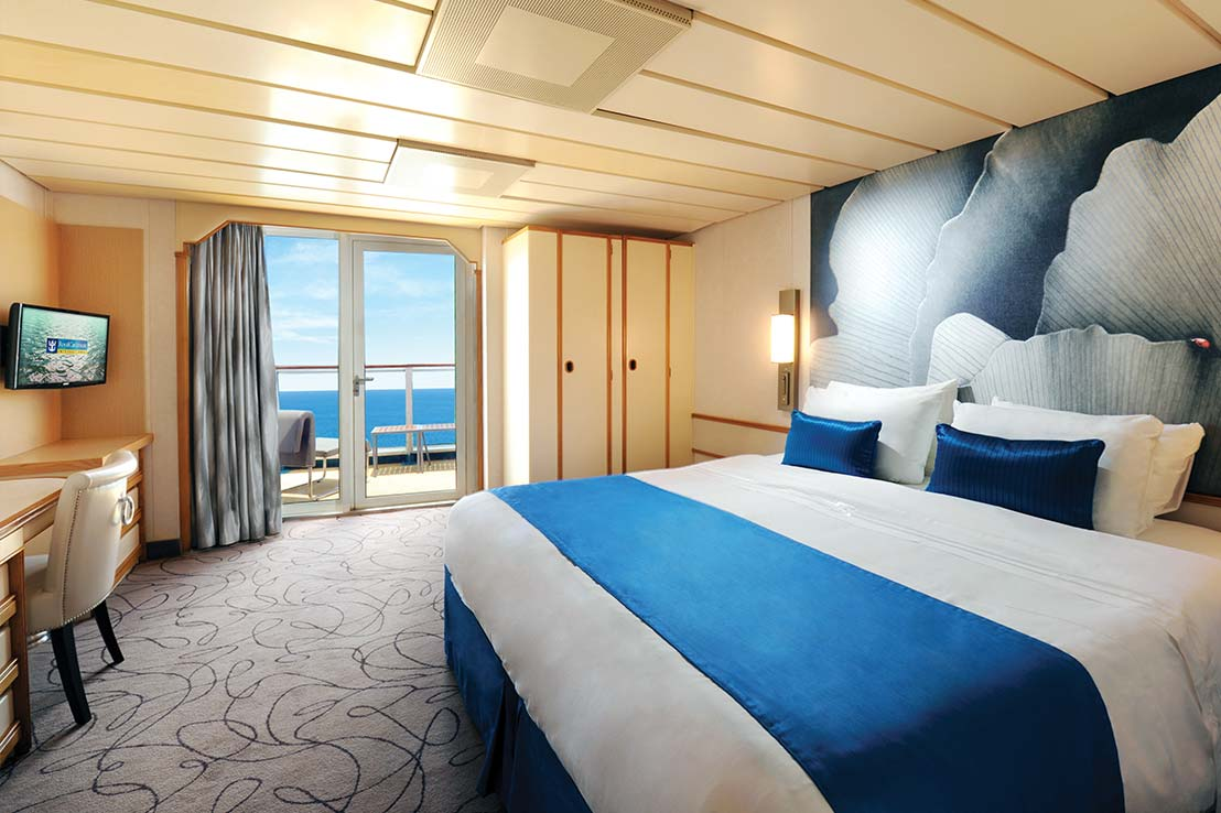 royal-caribbean-empress-of-the-seas-junior-suite-j3